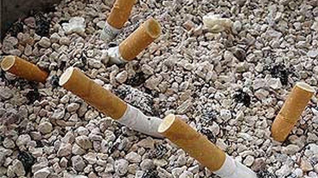 En España se ha logrado erradicar el tabaco de los centros de trabajo. Foto: Telecinco