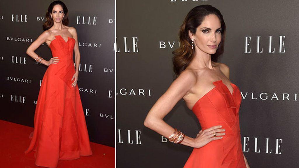 Eugenia Silva con vestido rojo de Carolina Herrera y joyas Bulgari
