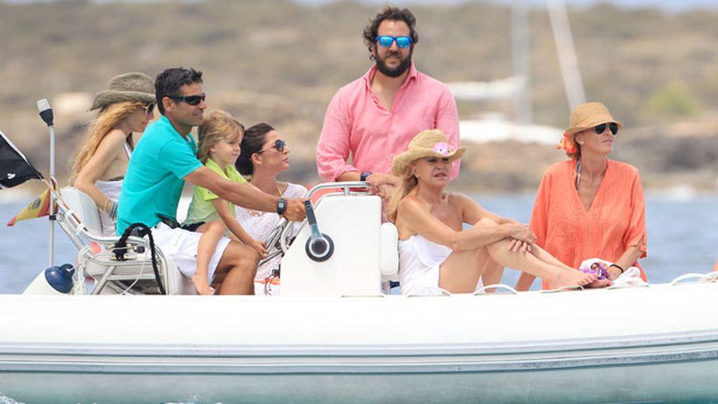La familia Thyssen, de reconciliación en Ibiza