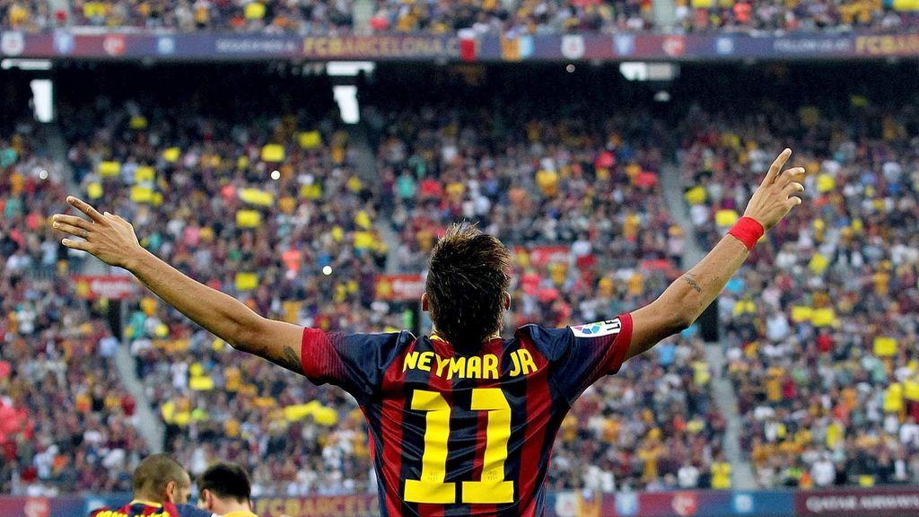 Neymar celebra el primer gol