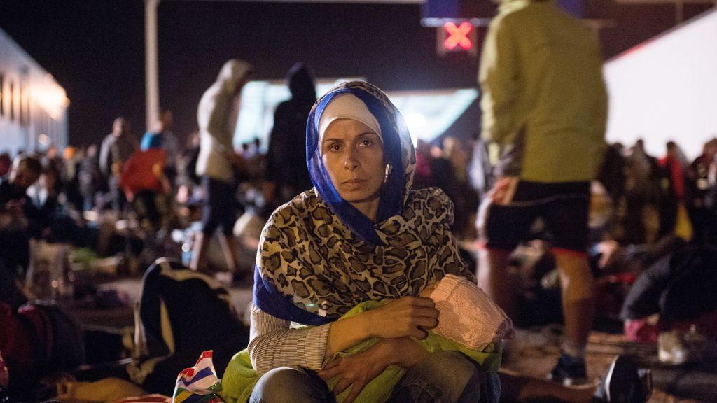 """Croacia dice que """"obligó"""" a Hungría a recibir refugiados y lo seguirá haciendo"""