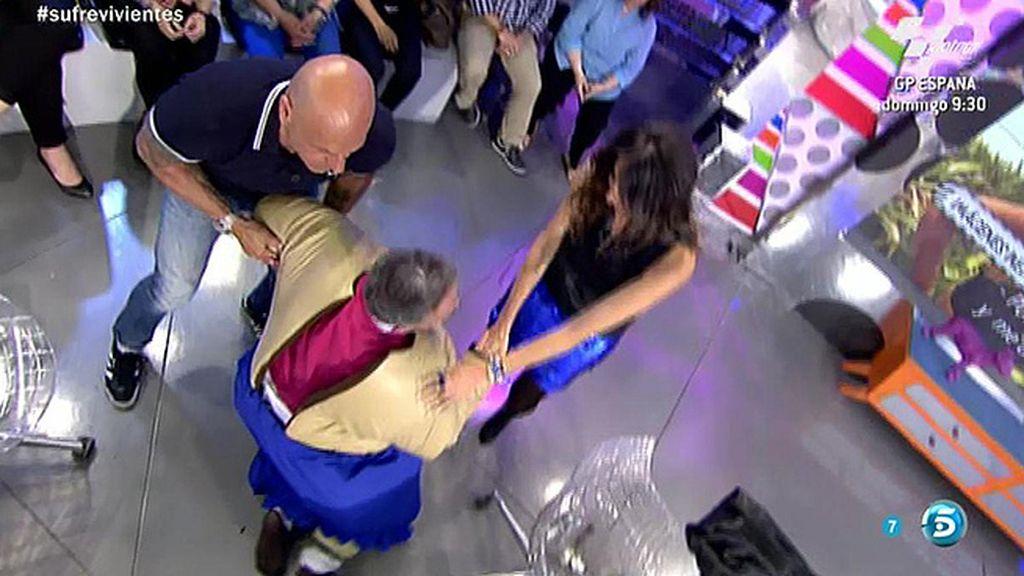 Mila Ximénez, Kiko Hernández, Matamoros y Lydia Lozano acaban en el suelo