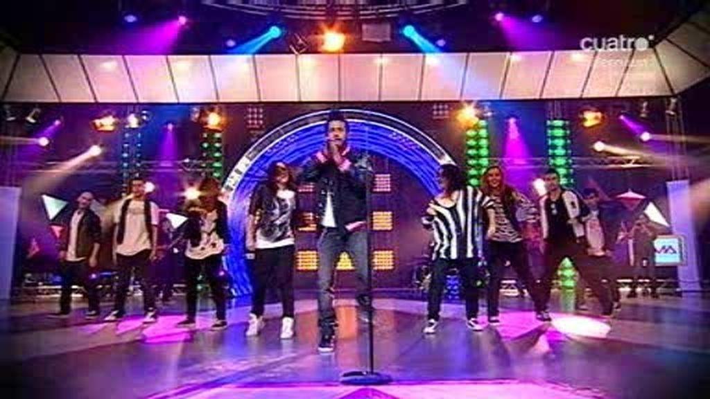Sergio Alcover...¡también canta!