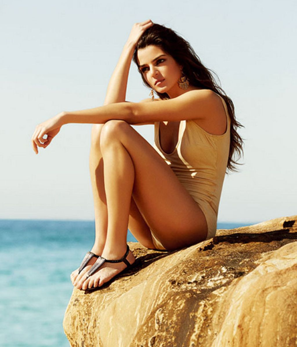 Bikinis, pareos, mini vestidos...¿le gustará a Dani Rovira?