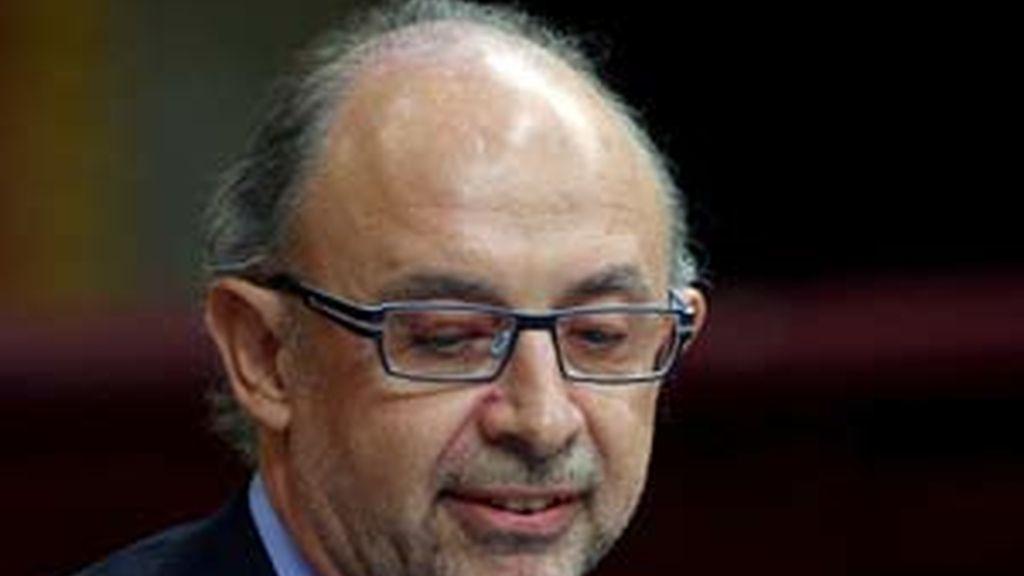 El portavoz de economía del PP en el Congreso, Cristóbal Montoro, ha crirticado al Gobierno. Vídeo: ATLAS