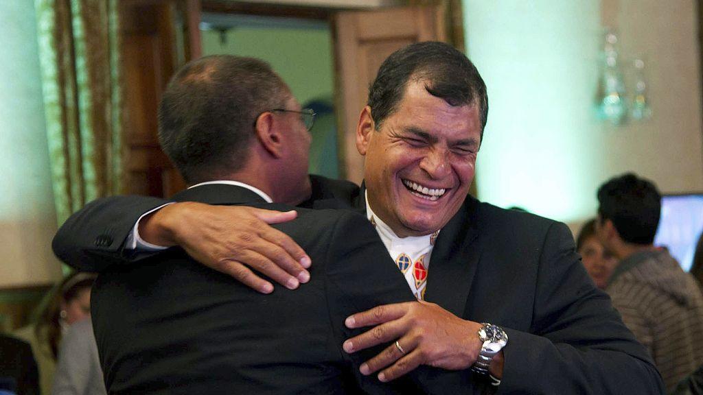 Correa celebra su aplastante victoria en las presidenciales de Ecuador