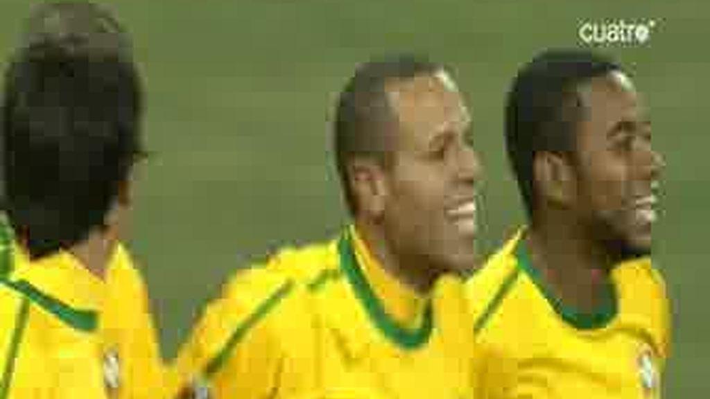 Elano marca el tercero para Brasil (0-3)