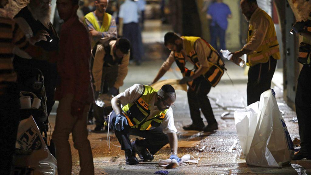 Dos israelíes muertos en un ataque de un palestino luego abatido a tiros