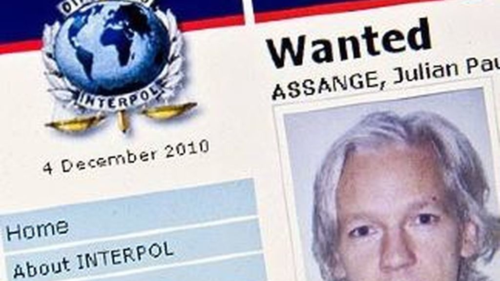 Julian Assange  en la orden de arresto dictada por la interpool la semana pasada.