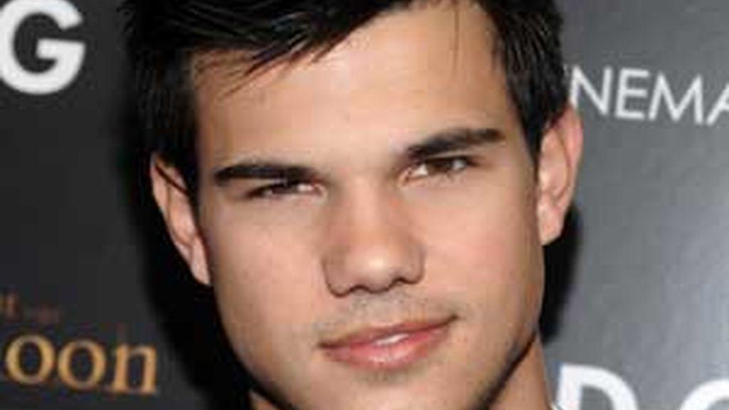 El joven actor Taylor Lautner muere a causa de un bulo en la red. Fotografía de archivo.