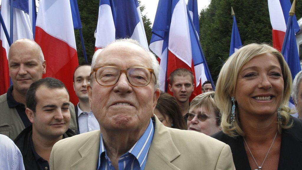 Jean-Marie Le Pen con su hija Marine