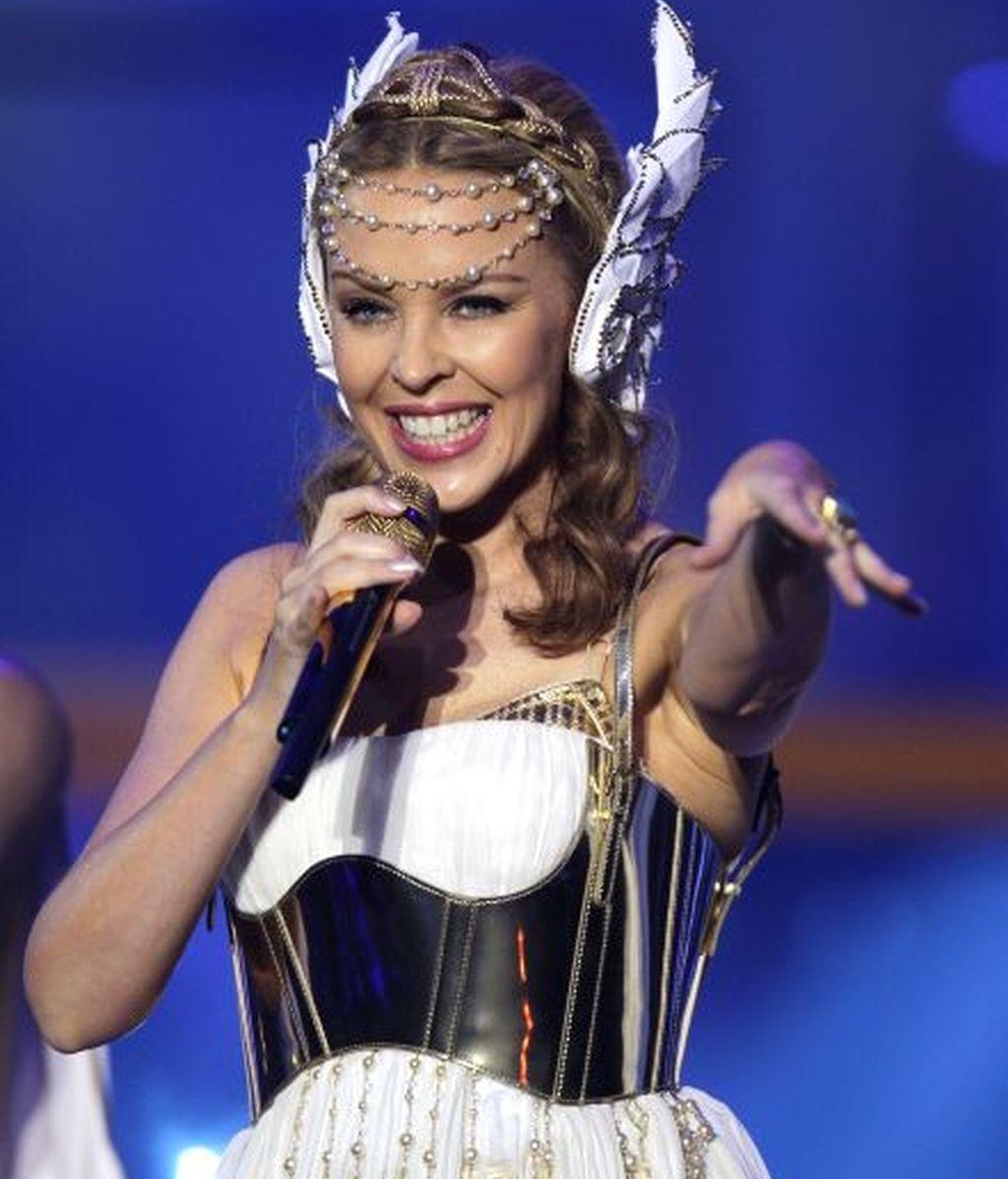 Kylie Minogue, la más bajita, mide 1,52