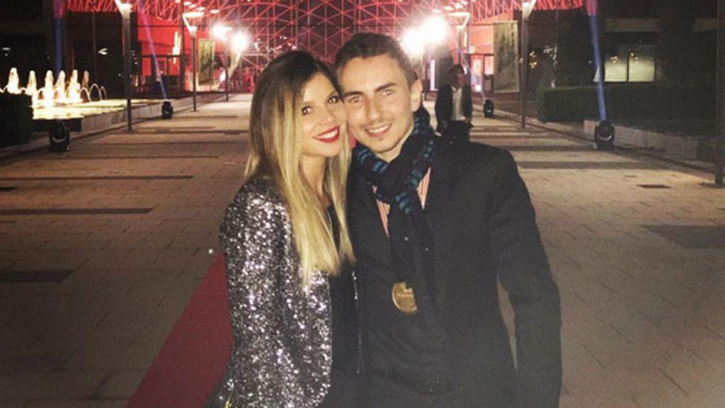 """Juntos en Valencia, él se declaraba con un """"te quiero"""" en sus redes"""
