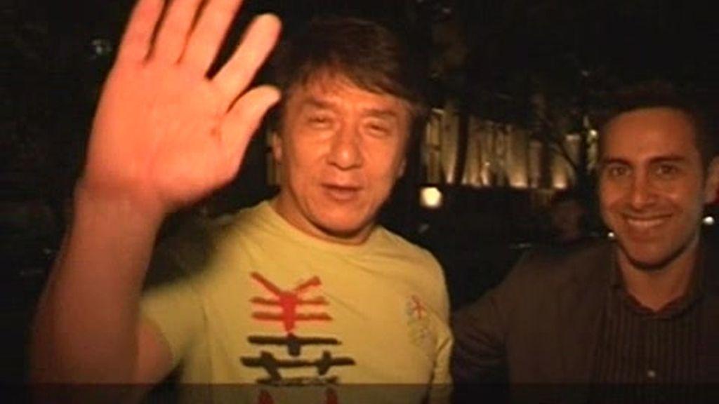 Pekín: Encuentro con Jackie Chan en un restaurante español
