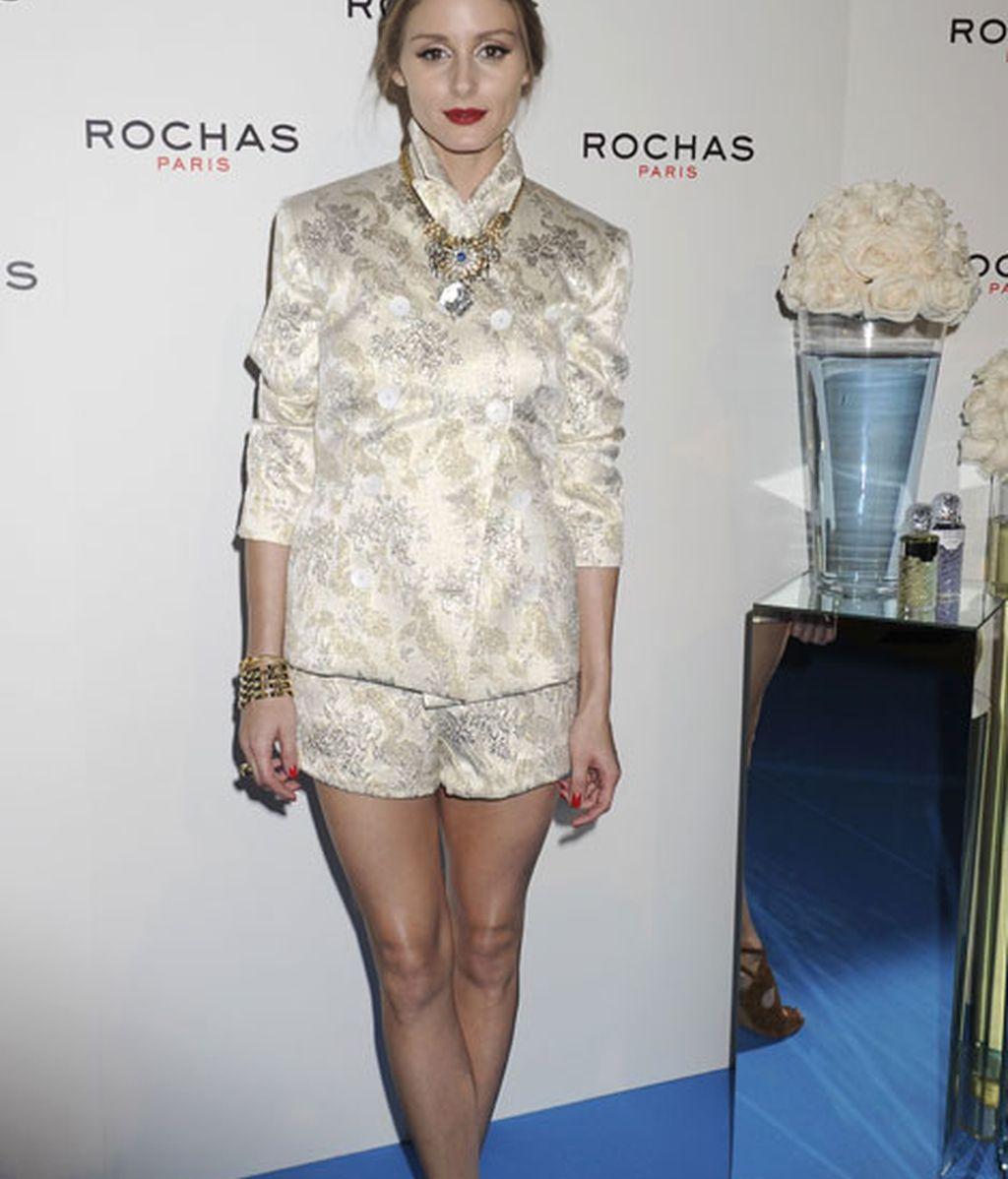 Olivia Palermo brilló con su traje 'dos piezas'
