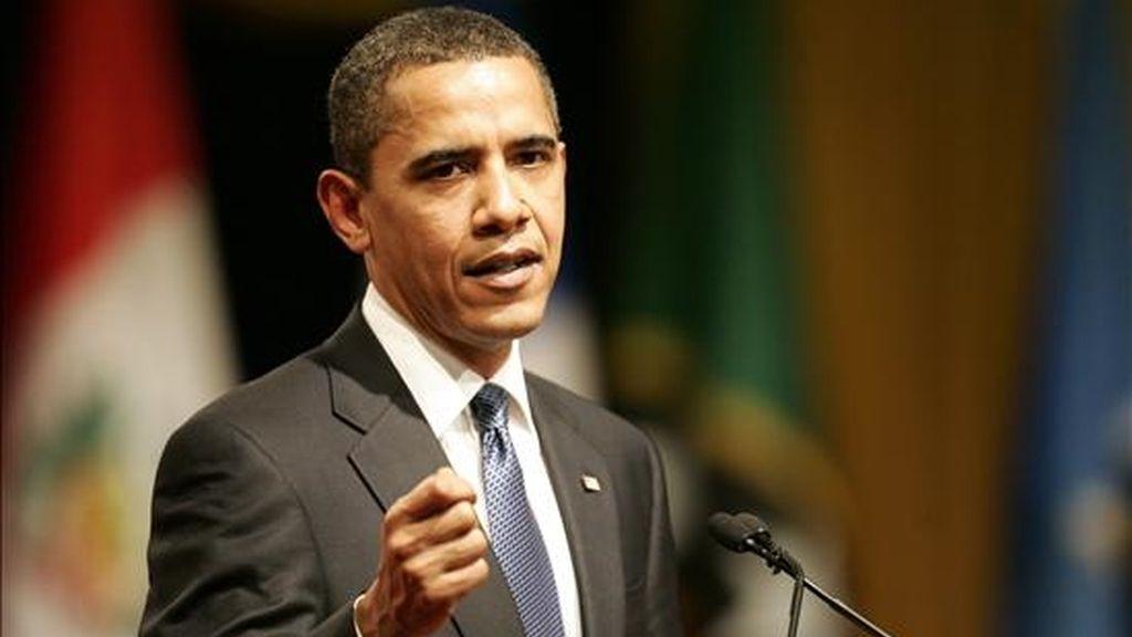 Barack Obama, Presidente de EEUU, anuncia un estricto programa de austeridad. En la imagen, Obama durante su intervención en la ceremonia de apertura de la V Cumbre de las Américas ayer en la ciudad de Puerto España, Trinidad y Tobago. EFE/Archivo