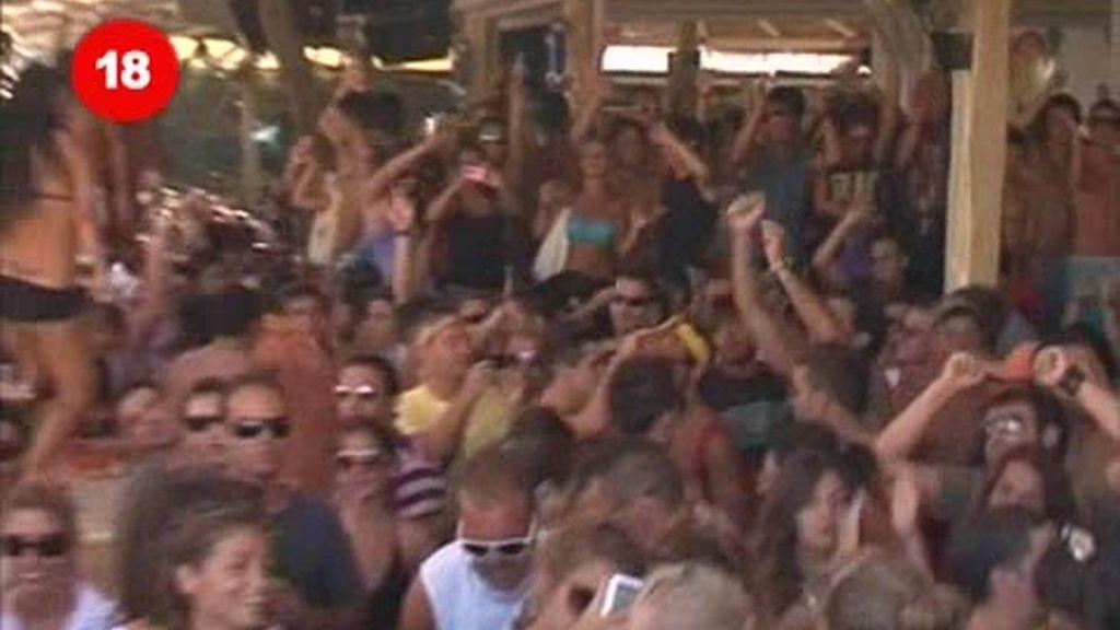Mykonos y Santorini: Una fiesta que dura 24 horas