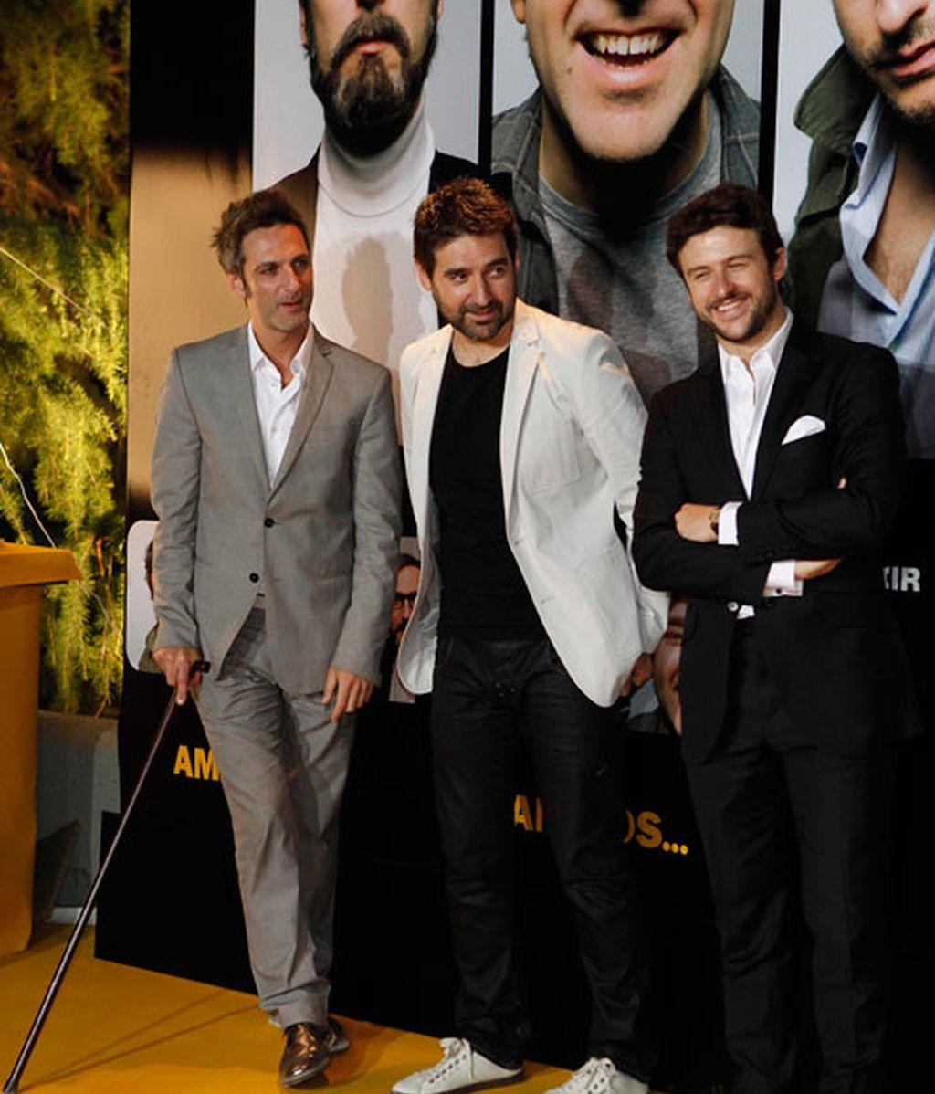 Los protas de 'Amigos', rodeados de colegas y familiares en la premiere de la película