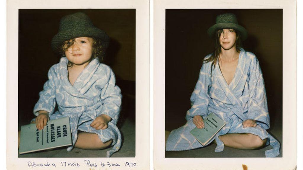 Los protagonistas recrean la misma foto pasados los años