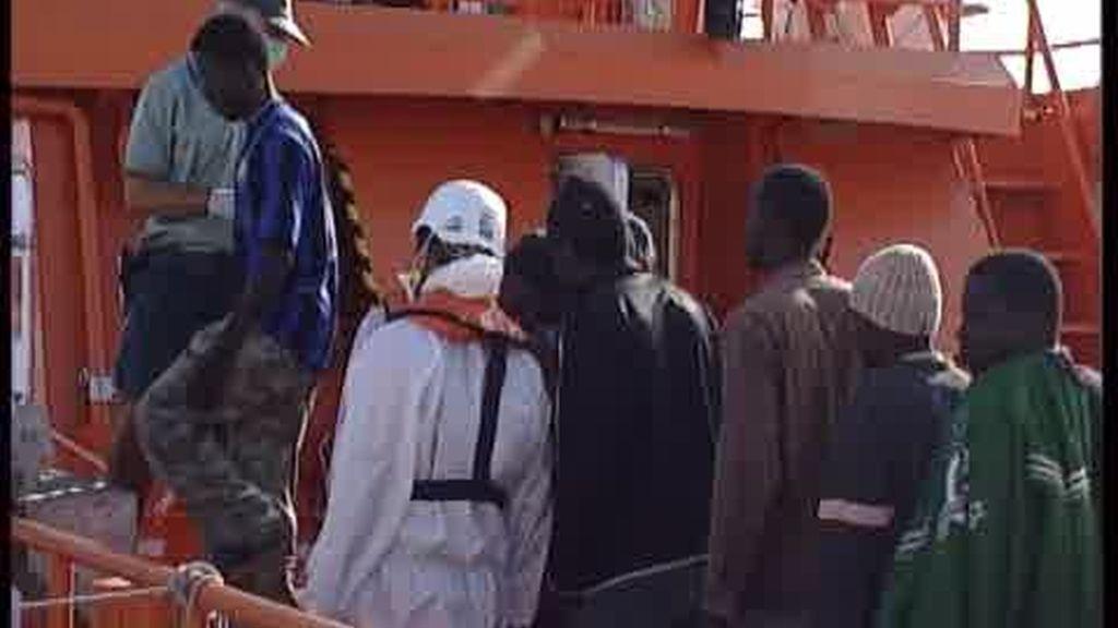 Sigue el drama de la inmigración en las costas españolas
