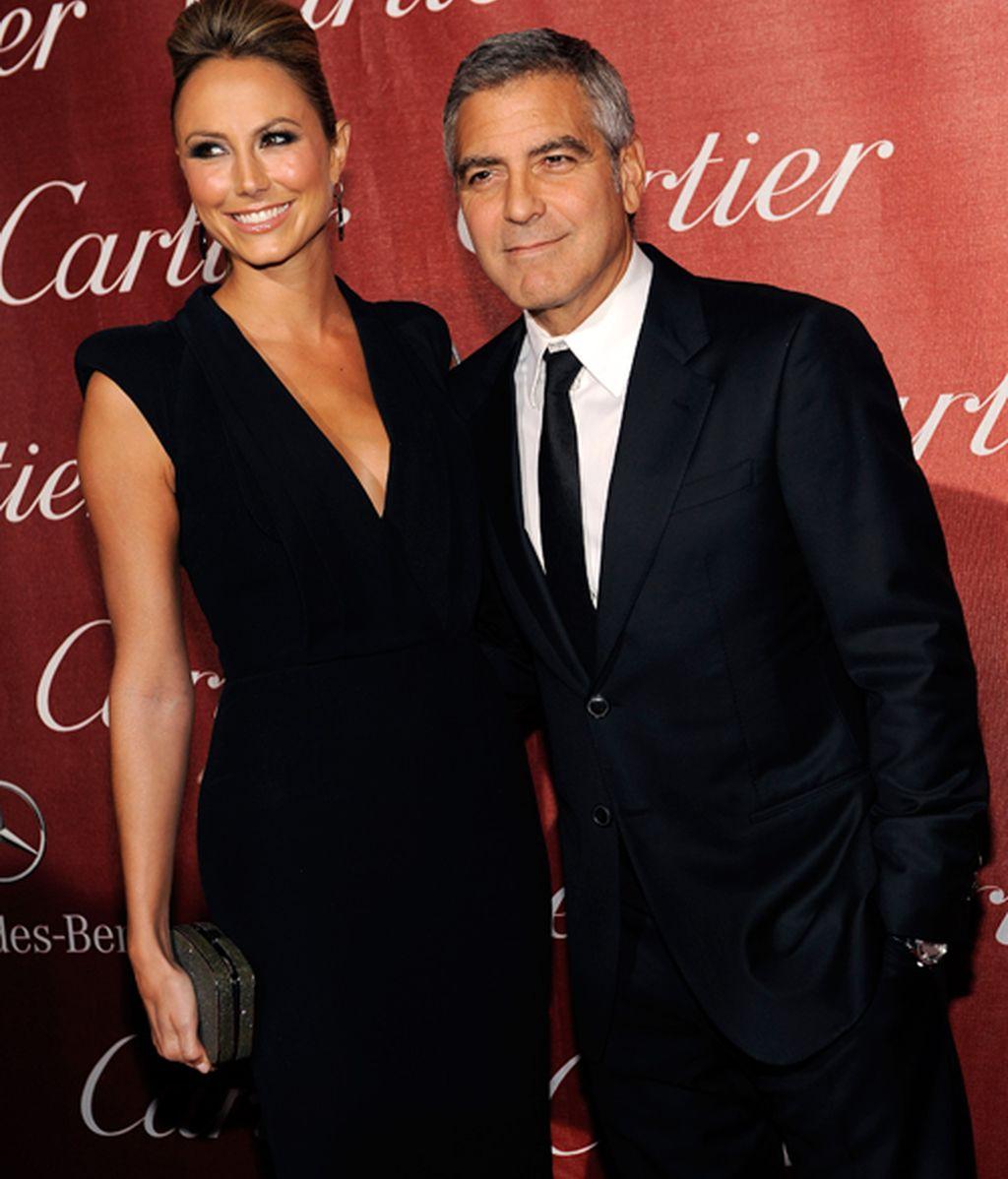 El bastón de Brad Pitt le roba el protagonismo a la novia de Clooney