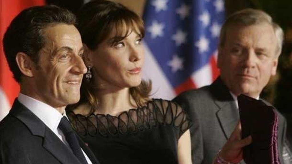 Carla Bruni en la OTAN
