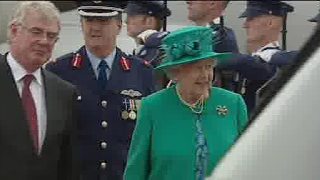La reina Isabel II ya está en Irlanda