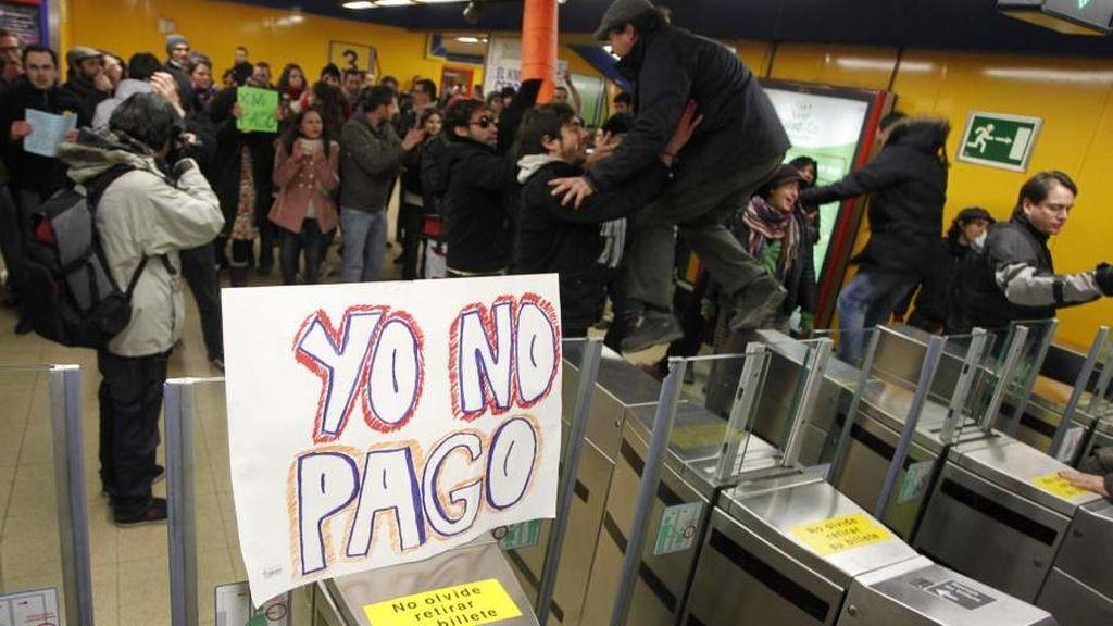 #YoNOpago, los ciudadanos de Madrid se revelan al 'tarifazo' del Metro