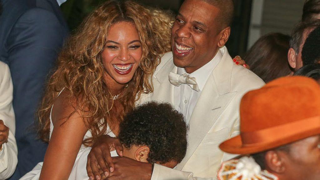 El cariñoso abrazo de Julez con sus tíos, Beyoncé y Jay Z
