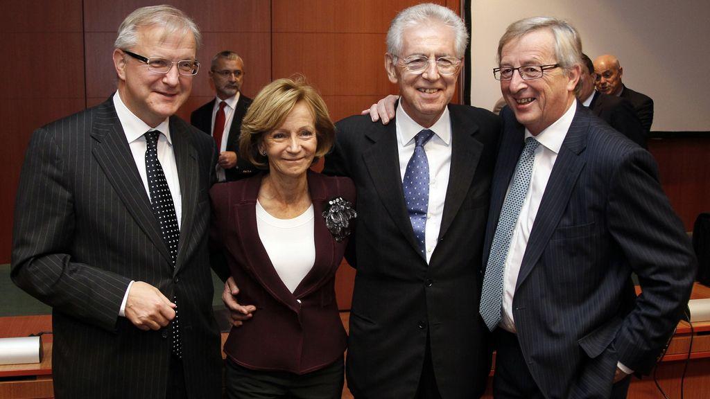 El Eurogrupo acuerda desbloquear la ayuda urgente de 8.000 millones para Grecia