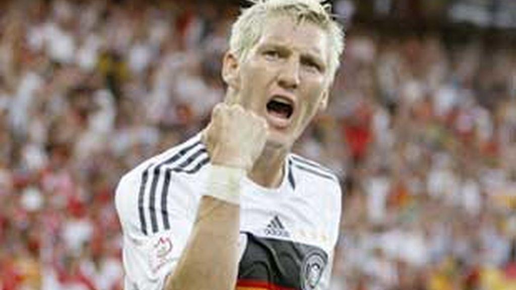 Scweinsteiger celebra su gol ante Turquía. Foto: EFE