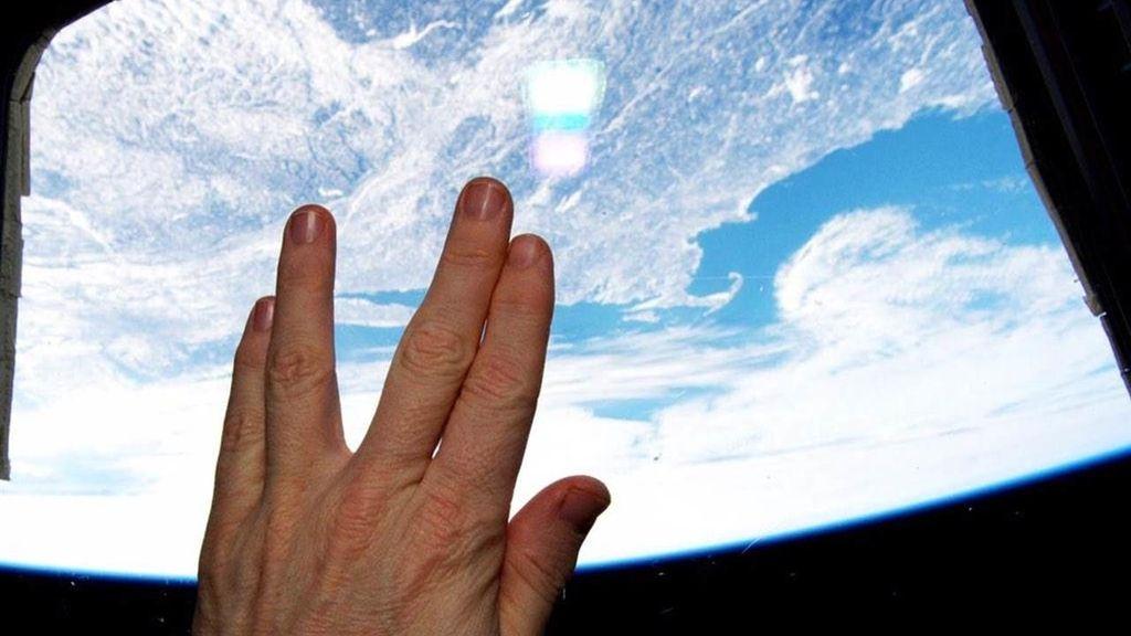 Un astronauta homenajea a Leonard Nimoy desde la Frontera Final