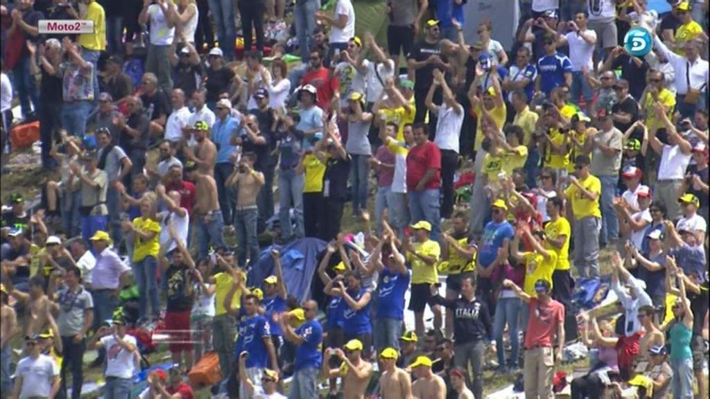 Marea amarilla por Rossi en las gradas de Mugello