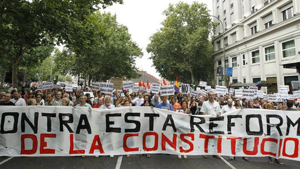 Los sindicatos se echan a la calle para protestar por la refoma constitucional
