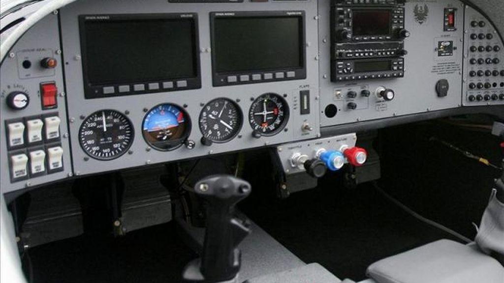 Un piloto y una azafata, despedidos por practicar sexo oral