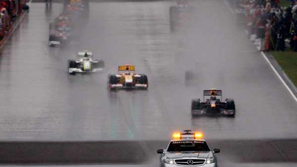 Vettel tras el coche de seguridad