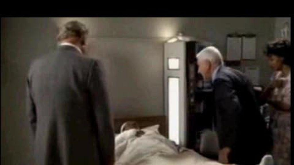 Muere Leslie Nielsen