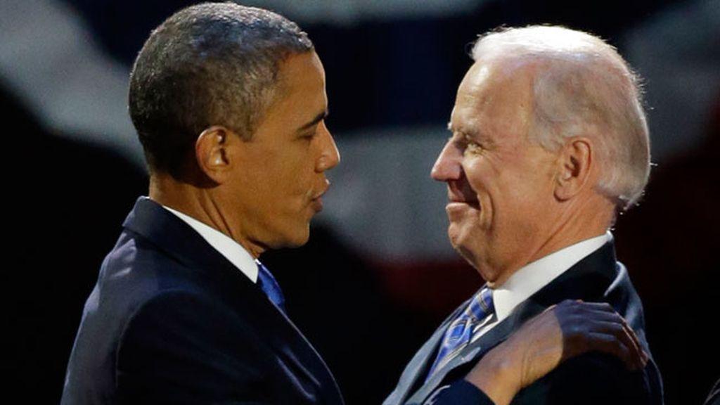 Obama abraza a su vicepresidente Joe Biden