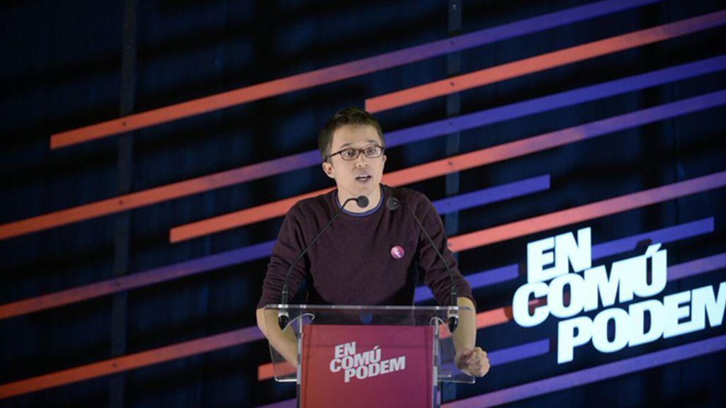 Errejón promete en Cataluña un referéndum y critica la resolución soberanista