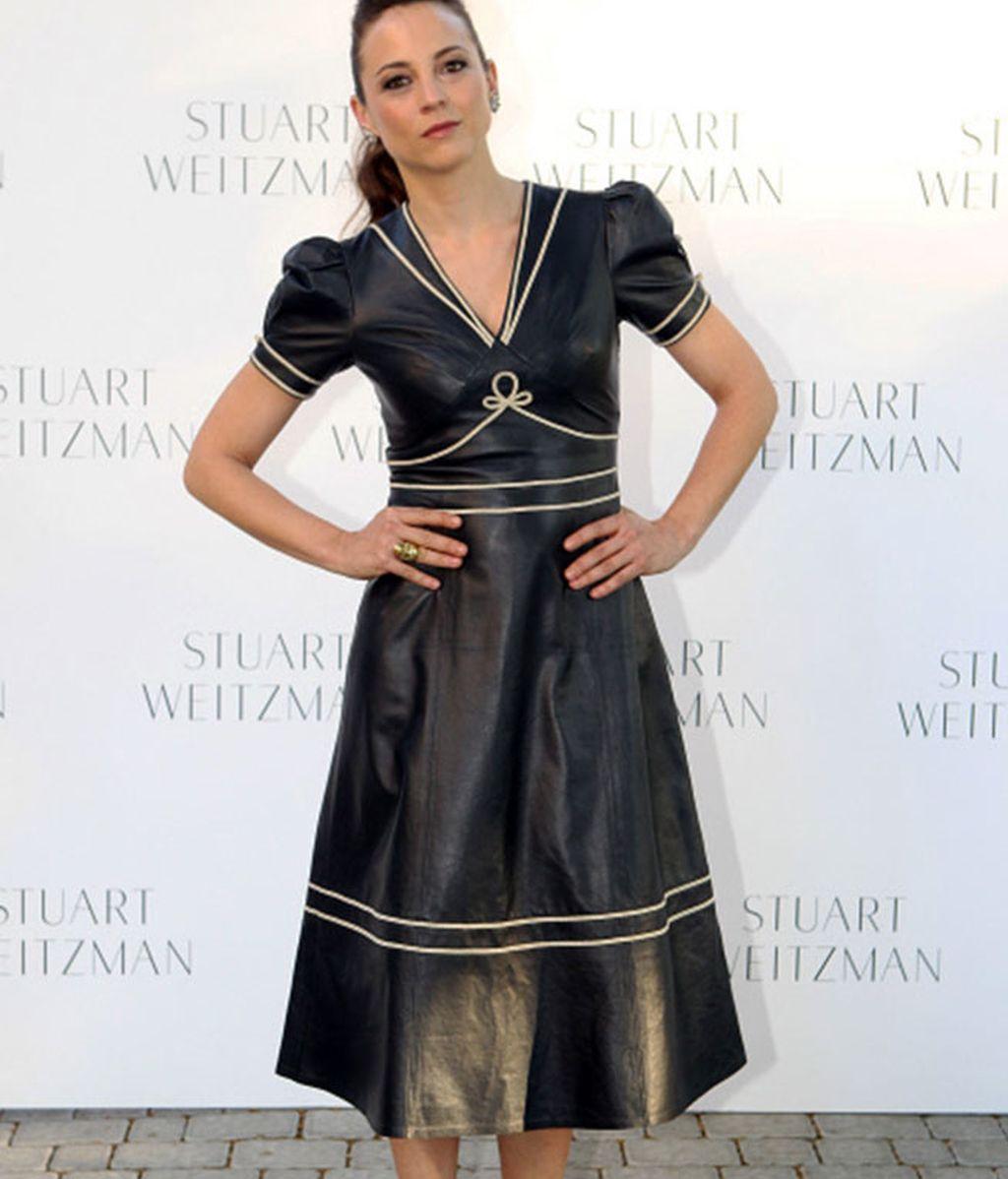 El vestido retro y de cuero de Leonor Waitling, centro de las miradas