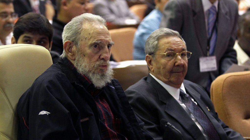 Fidel y Raúl Castro