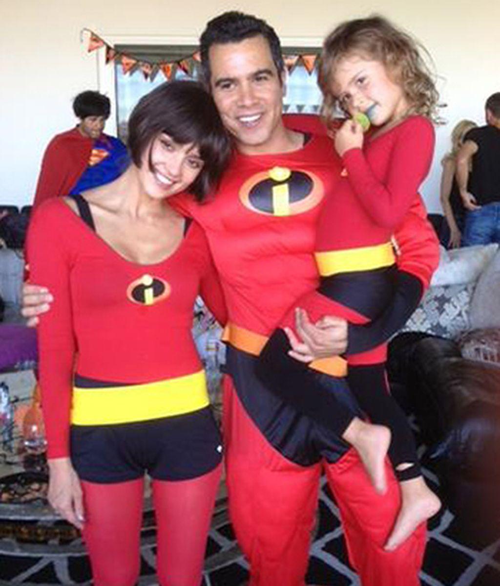 """Jessica Alba y familia de """"Los Increíbles"""""""