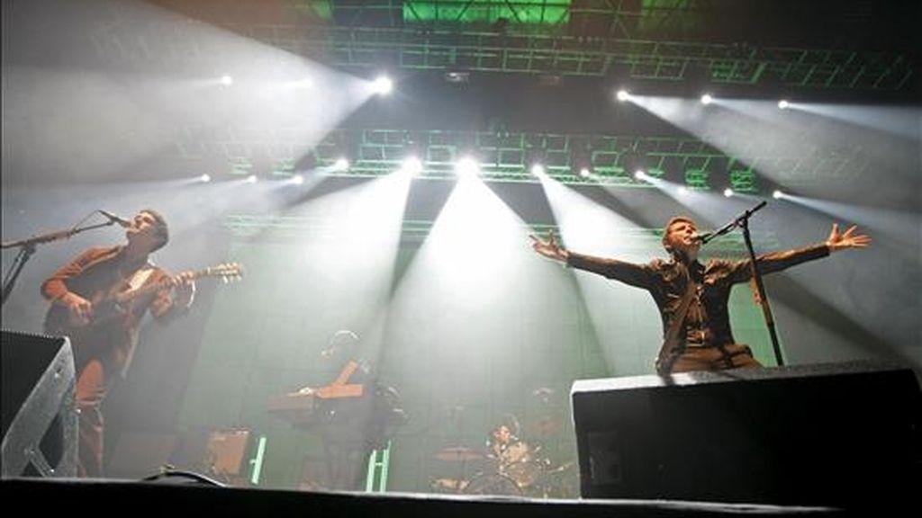 Un momento del concierto que la banda británica Franz Ferdinand ha ofrecido esta noche en el Palacio de Deportes de Madrid. EFE