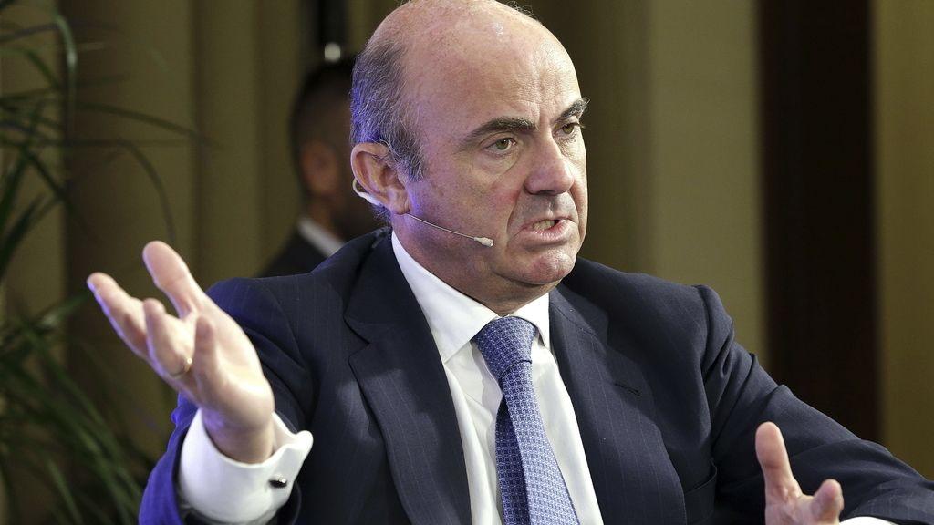 """De Guindos dice que la reubicación de refugiados es una """"oportunidad económica"""" para incrementar el crecimiento"""