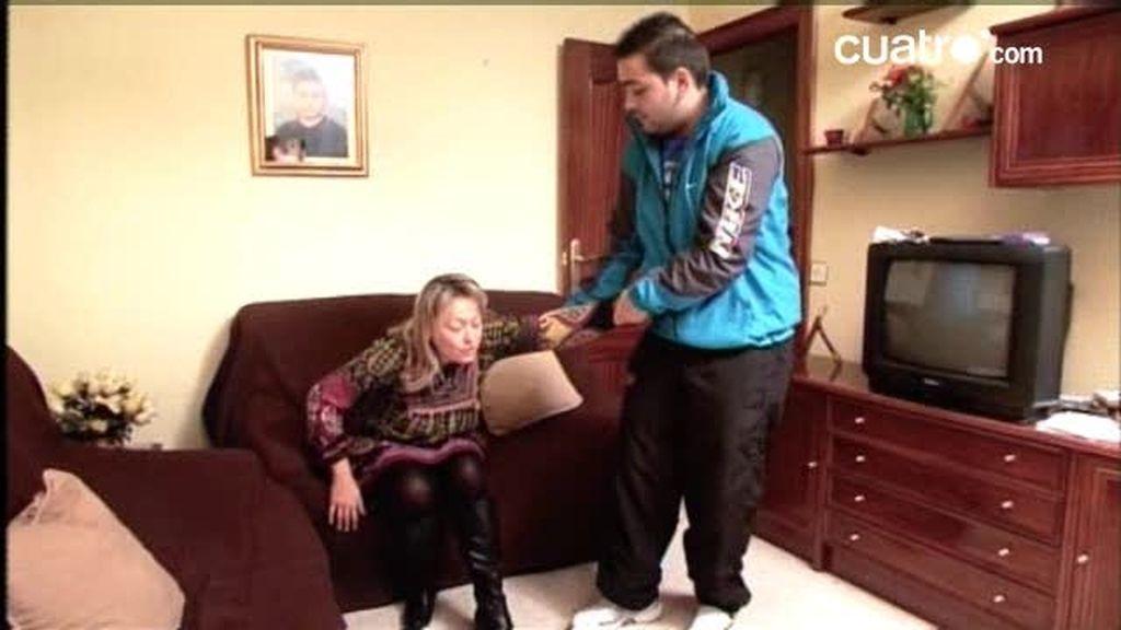 """Hermano Mayor: """"Sí eres mi esclava: ¡A guardarlo!"""", le dice Javier a su madre"""
