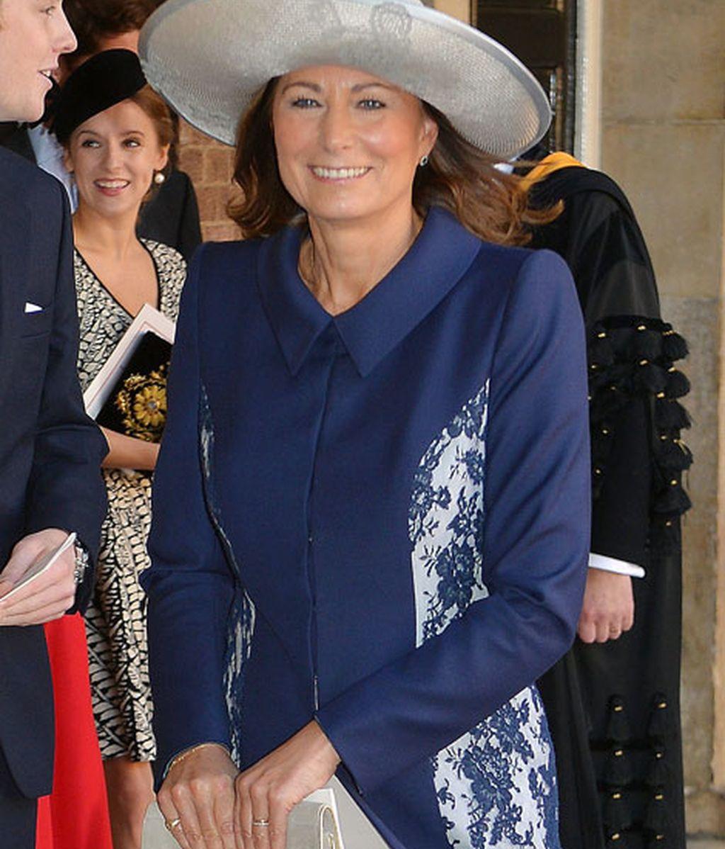 Carole Middleton combinó el azul marino con el gris