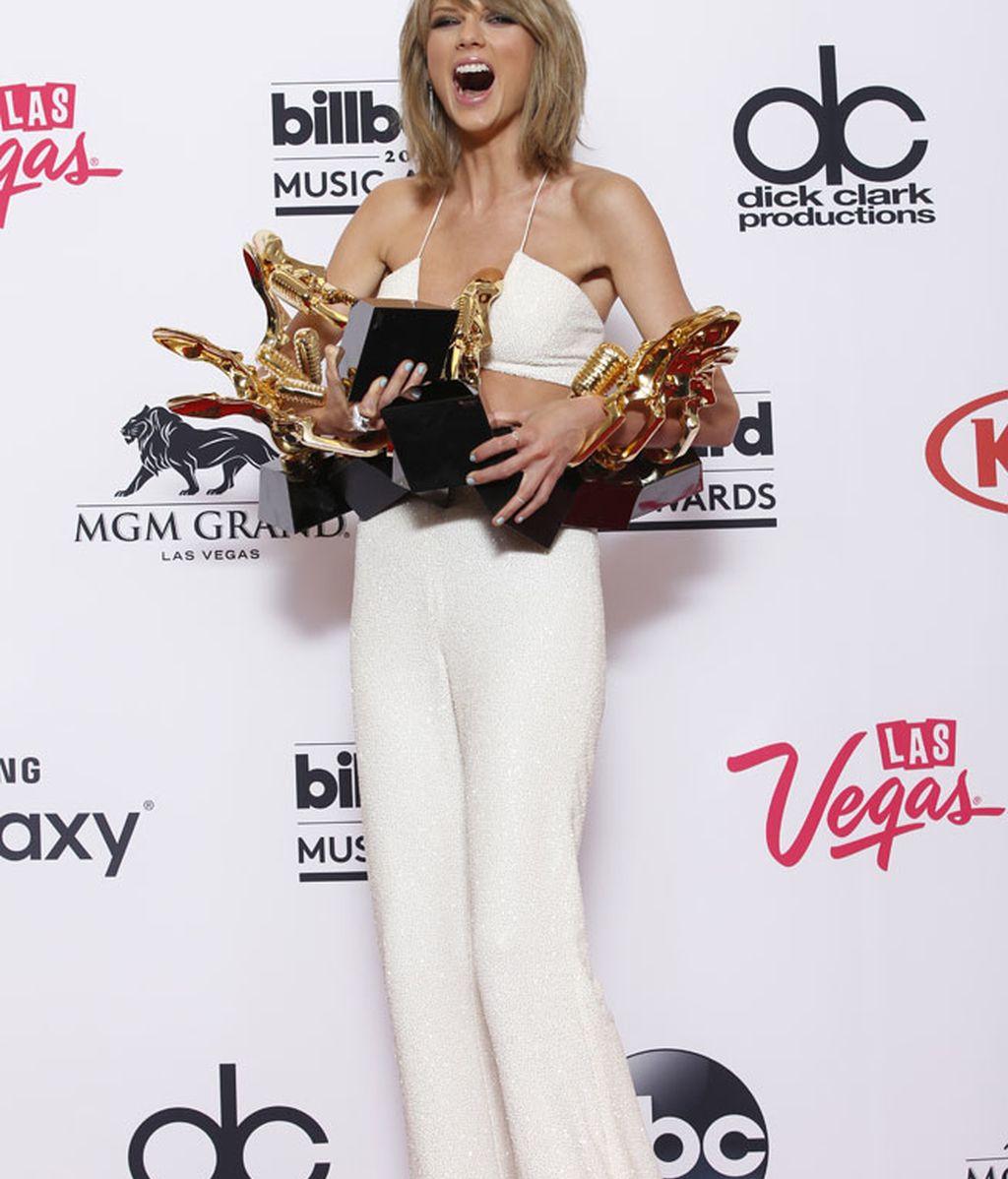 Taylor ganó ocho premios, incluido el de mejor artista