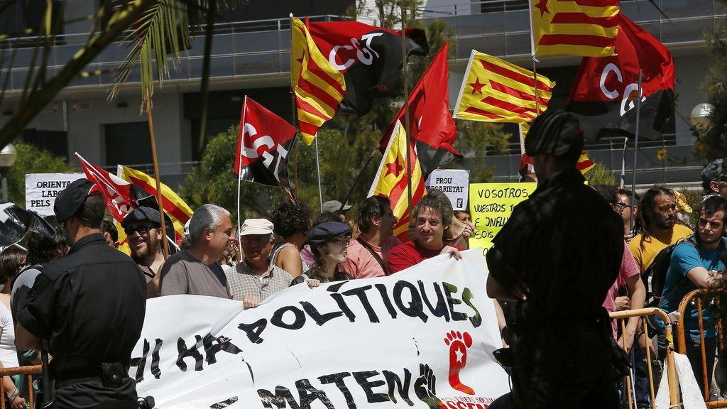 Pitos y abucheos a Rajoy en Sitges a su llegada al Círculo de Economía