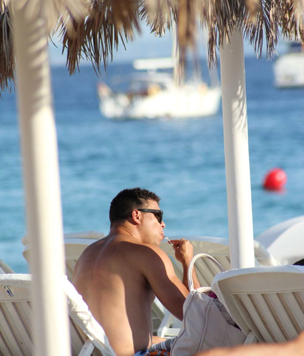 El otro Ronaldo descansa en Ibiza