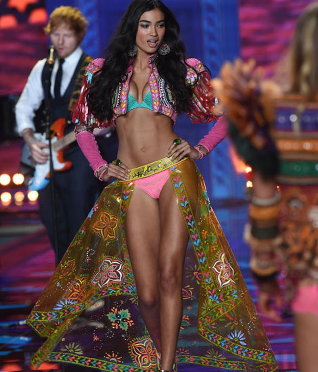 Kelly Gale en su segundo desfile de Victoria's Secret
